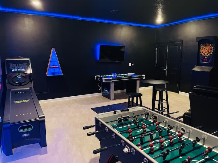 NEW home with game room & peloton - 4 mi to Disney