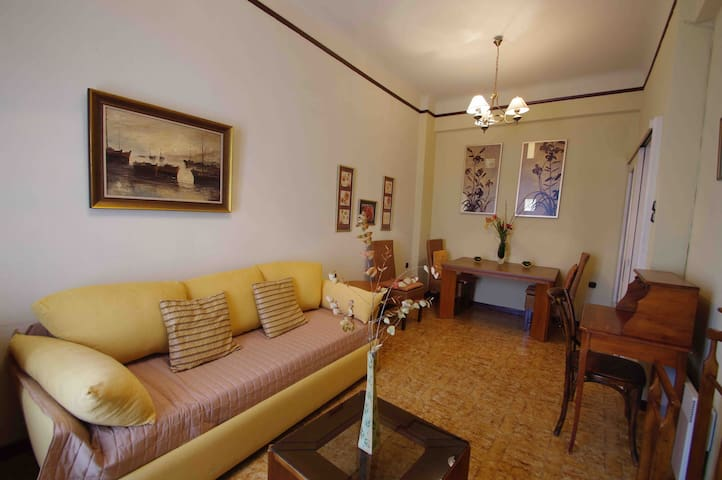 Apartment in the heart of Ermoupoli