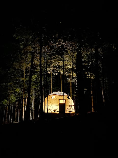 Glamping Eco-Retreat with Luxury Stargazer Dome