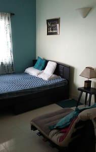 Room in South City - Kolkata - Apartment