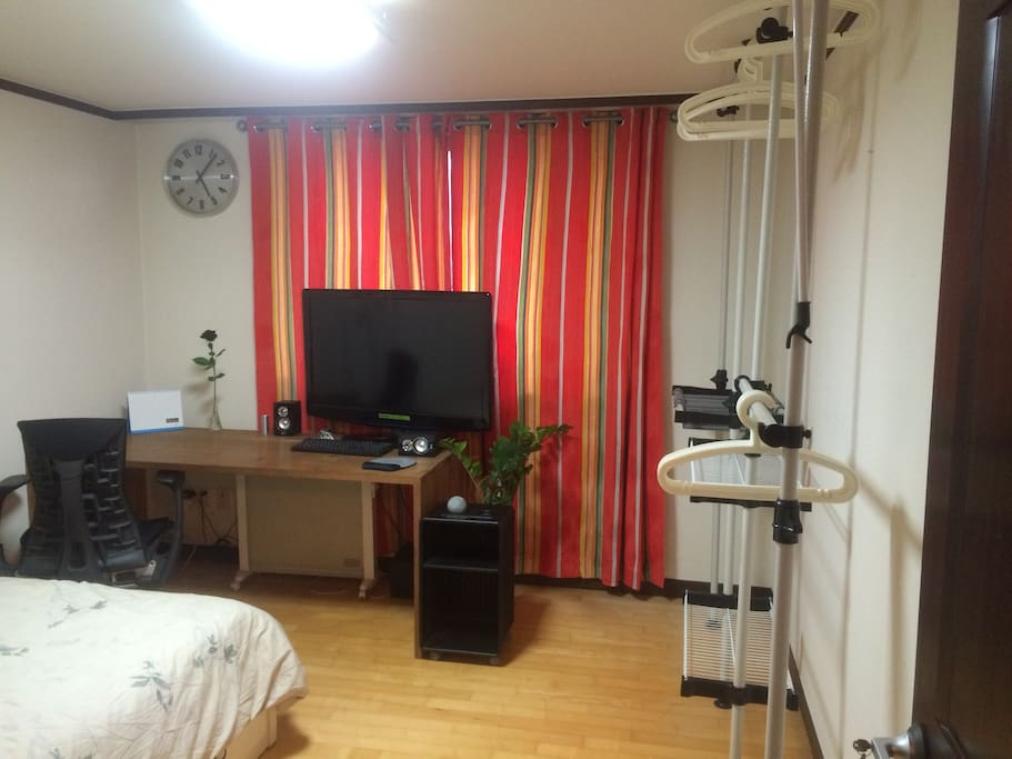 Full View of the Guestroom