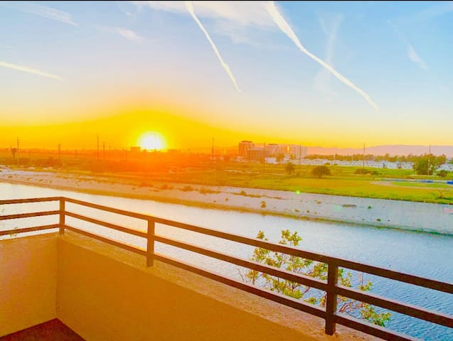 ❤️ Romantic Sunset View & LA River View ❤️