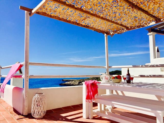 App.35A fantastic terrace & sea!