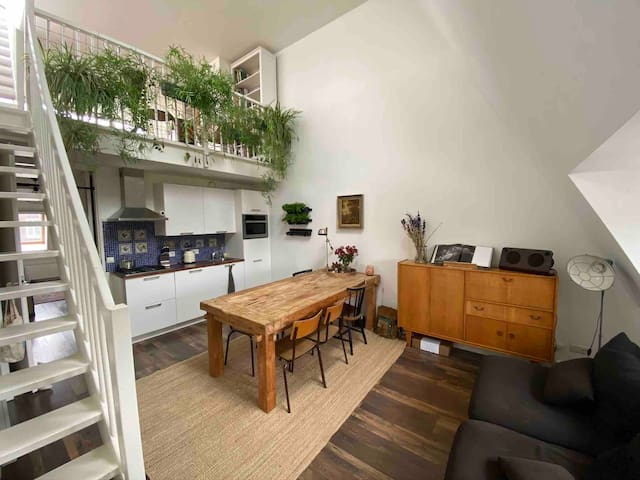 Peaceful loft with rooftop in Amsterdam Noord.