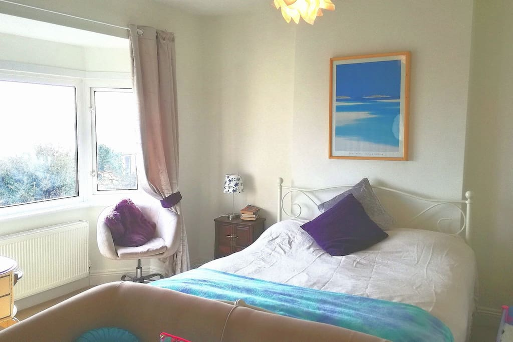 Beautiful Tranquil SeaView Bedroom Sleeps 4, suitable for families, child bed and travel cot at no extra cost