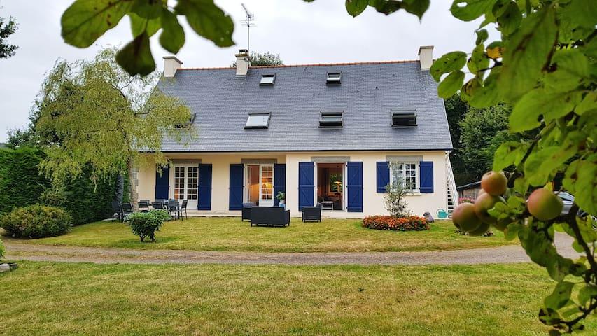 """Maison familiale/Family house: """"La Graveloup"""""""
