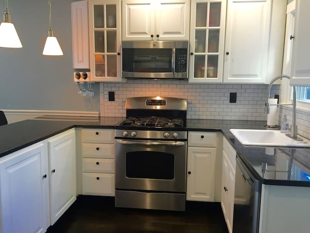 Full view of kitchen.