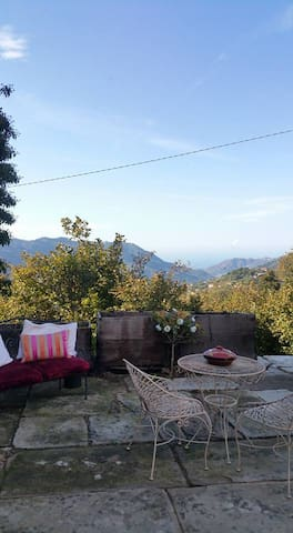 A Farmhouse. Mountain & sea views. - Santa Maria Lo Piano-san Silvestro - House