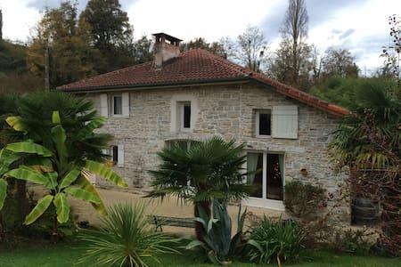 Maison en pierre à Bidache - Bidache