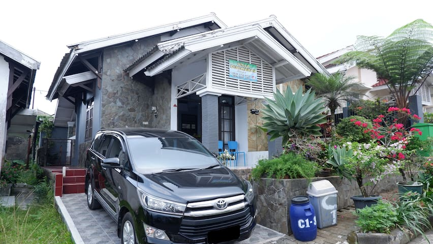Villa Green Hill Resort, Ciherang, Puncak