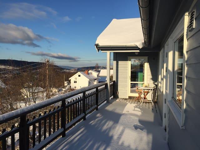 Unikt hus med spektakulær utsikt - Jevnaker - Casa