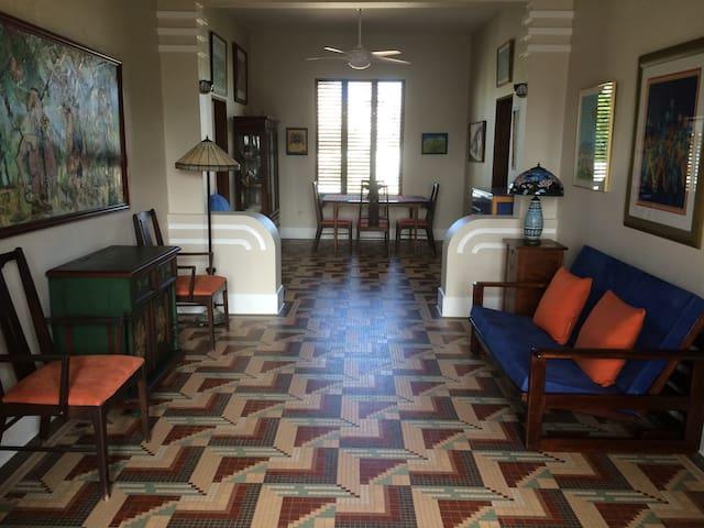 Blue Room - Art Deco Paradise