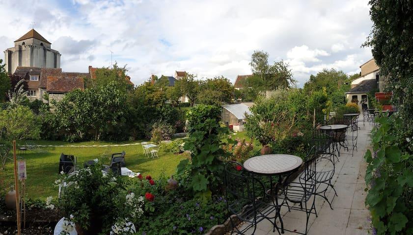 Chambre au jardin des Lys - curiste