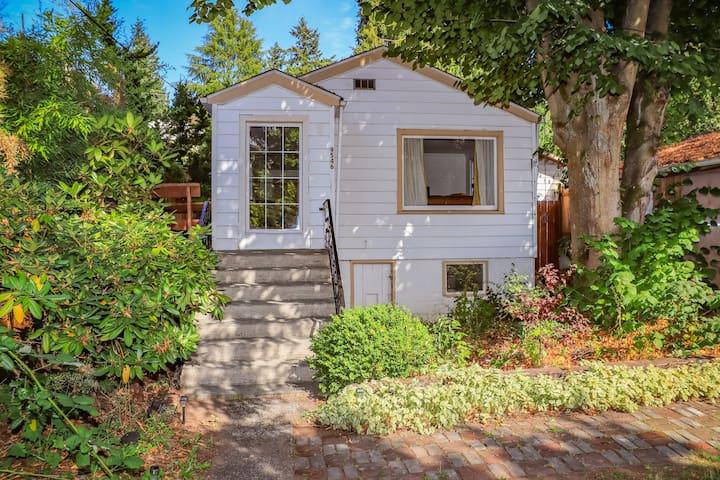 Entire house in Seattle's best quiet neighborhood