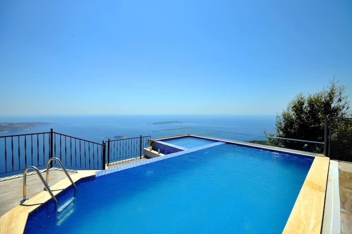Private Villa with an extreme view-Villa İzne