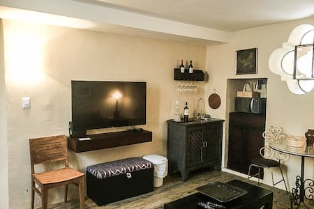 Apartment one block from Jardin!!! - San Miguel de Allende - Apartment
