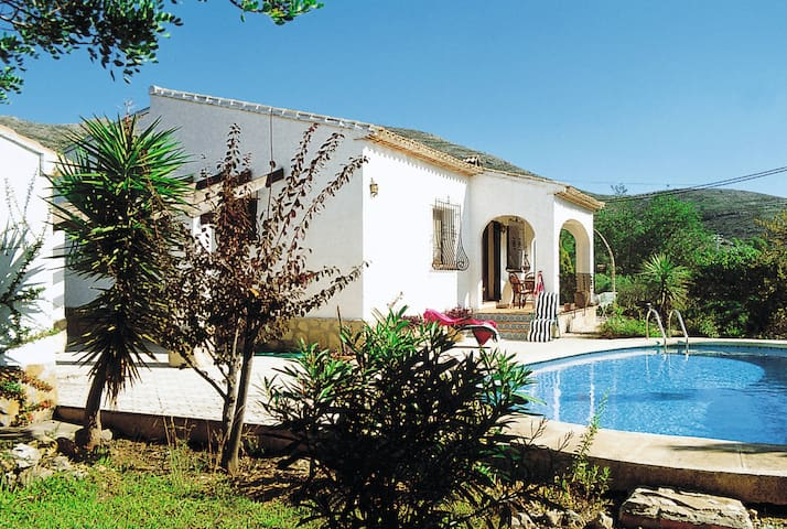 Detached house 3-Zimmer-Haus mit Pool in Calpe
