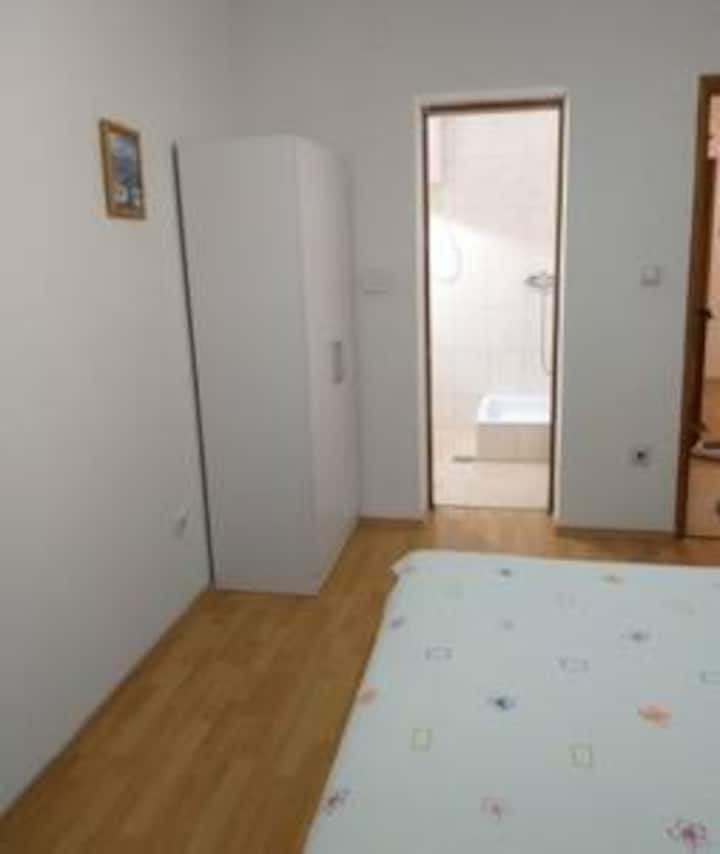 Double bed room 4