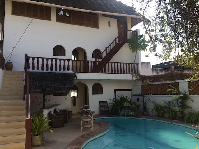Lamu island accomodation