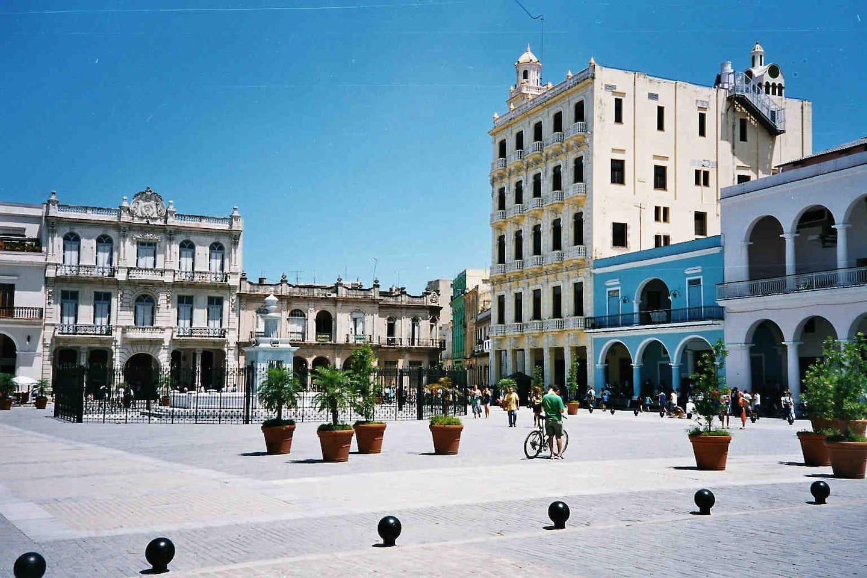"""""""Plaza Vieja"""" (Old Square)"""