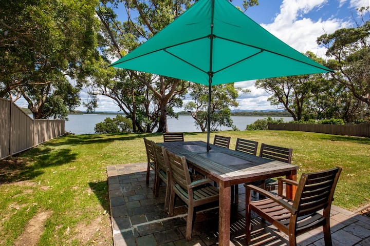 Curleys Outlook - Pet Friendly Waterfront