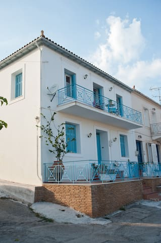 Areti, Captain's House with Private Terrace