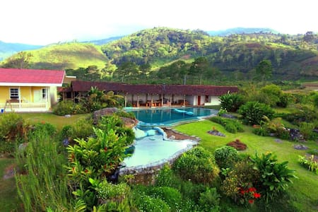 Chucaras Hotsprings Estate - Orosi - Villa