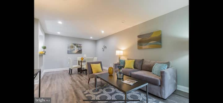 Immaculate 2BR/1BA Renovated Condo near DC