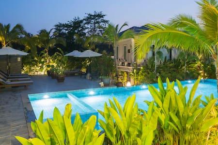 Pool Villa 'Butterfly Peaflower' @ Sengjan Garden