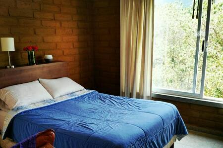 Cozy Bedroom for couples in private & quiet place - Tepoztlán - House