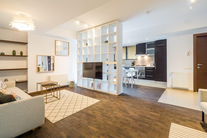 Luxury-Central Apartment-Victoriei Square-Subway