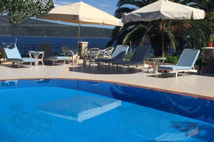 Beach villa, swim and relax all day! (No5)