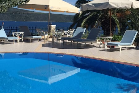 Alonissos beach villa, swim and relax all day!