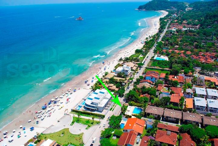 Casa com 4 suites a 50 metros da praia