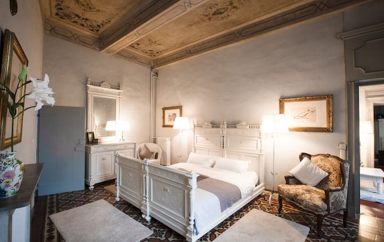 Guest Suite next to Medieval Castle of Montemagno
