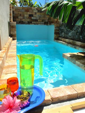 Villa with 2 bedrooms in Grand Gaube, with private pool, enclosed garden and WiFi - 800 m from the beach