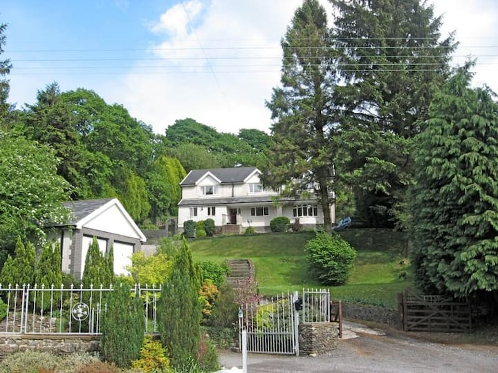 Windways Neuadd Afan self-catering holiday home
