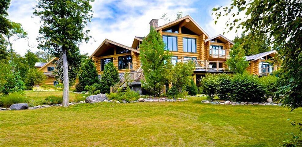 Cedar Ridge Lodge, Sandy Beach