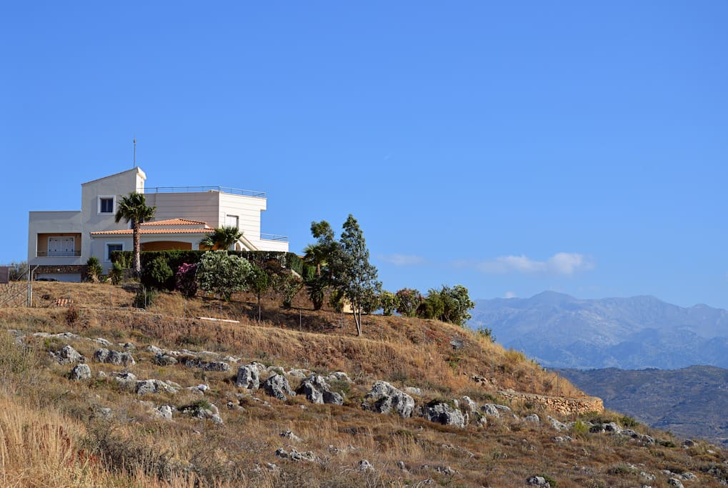 Villa on the top of a small hill ,very close to the center of Chania.
