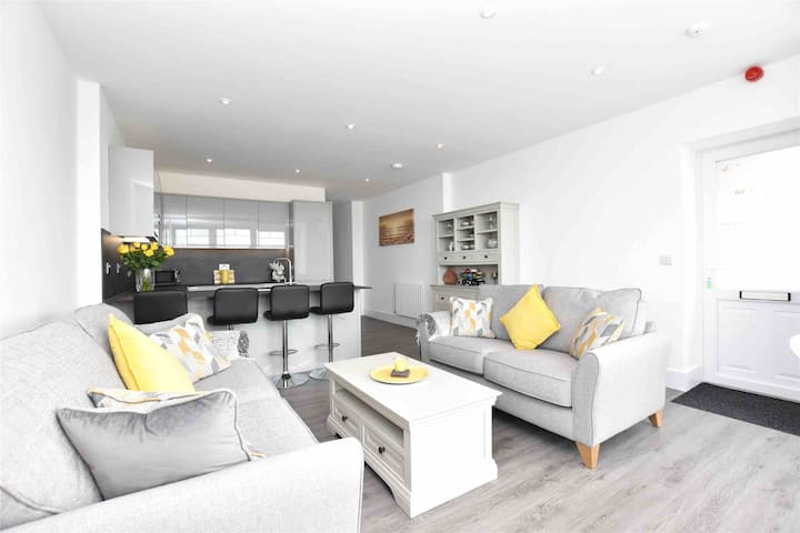 NEW Luxury 3 Bed,  Sea View Apartment - Woolacombe