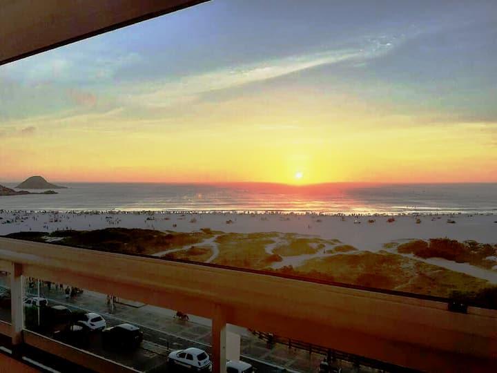 Apartamento novo com Exuberante Vista do Mar!