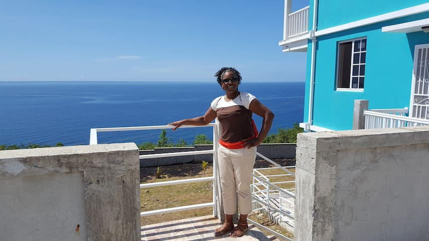 Elaine's Ocean View Dwelling 2 Bedroom Apartment