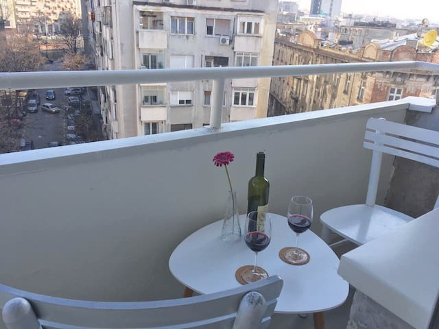 Penthouse View Apartment in the heart of the city - Belgrado - Apartamento