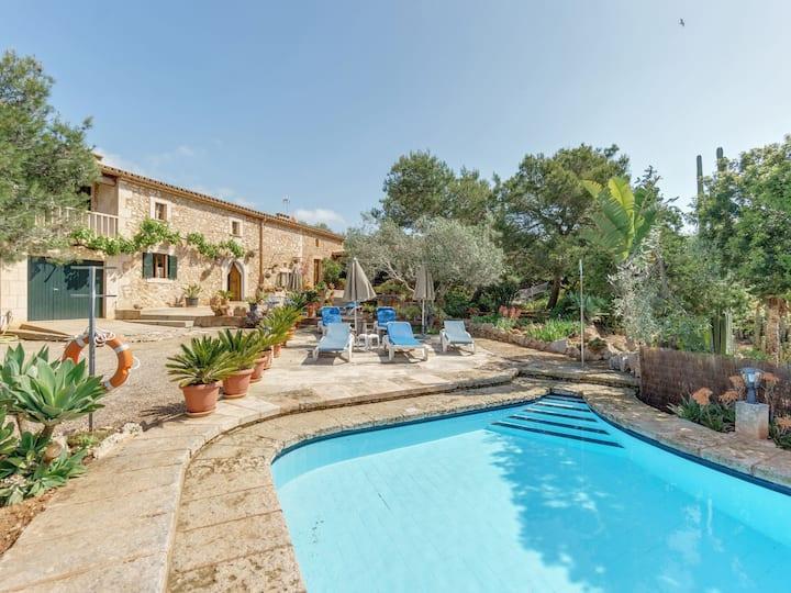 With pool and idyllic terrace - Villa Sa Punta