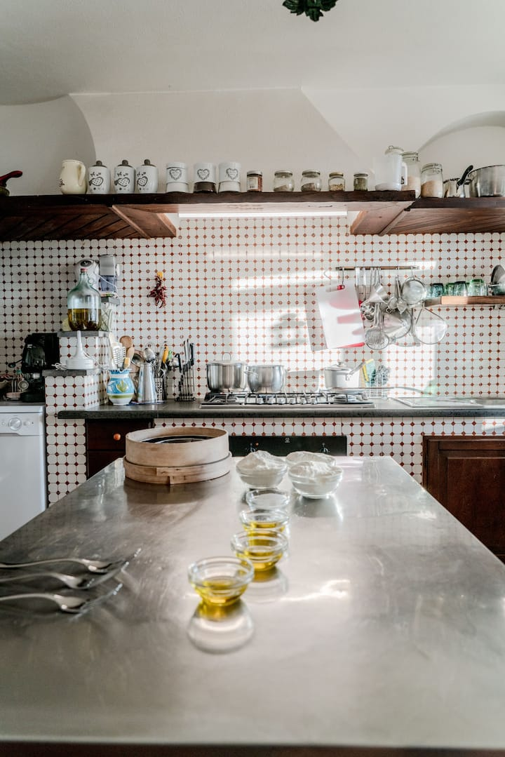Kitchen ready for the class