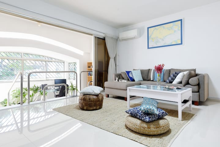 Spacious room 1 minute from MRT and local markets - Singapura - Apartamento