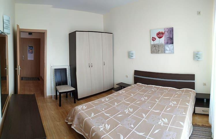 Кровать (двух спальная)