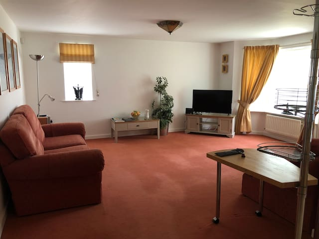 Chester Holiday Rentals Ground Floor with Parking