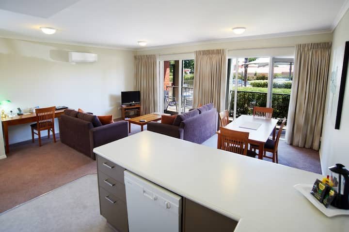 2 Bedroom Corporate or Leisure Apartment
