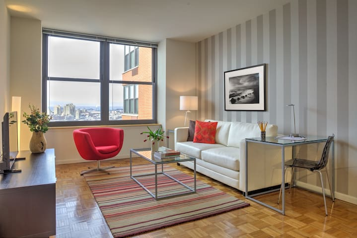 Modern 1 Bedroom in Historic Downtown Jersey City
